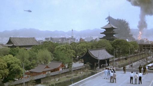 東寺のゴジラ
