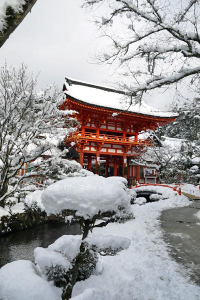 上賀茂神社の雪