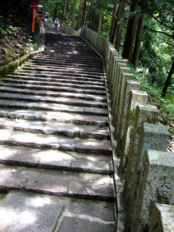 鞍馬寺の石段