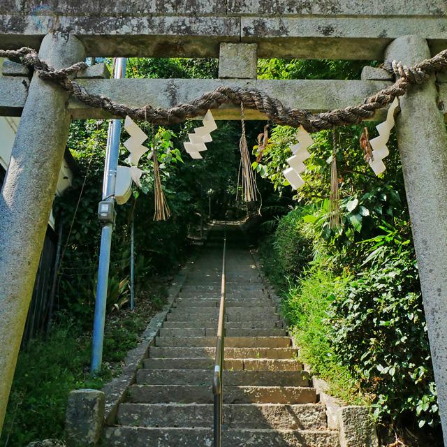 縁結びの宮垣神社の鳥居