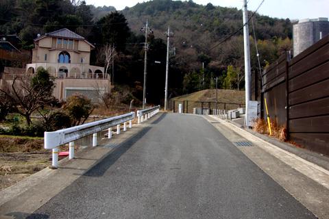 大石神社の近くの道