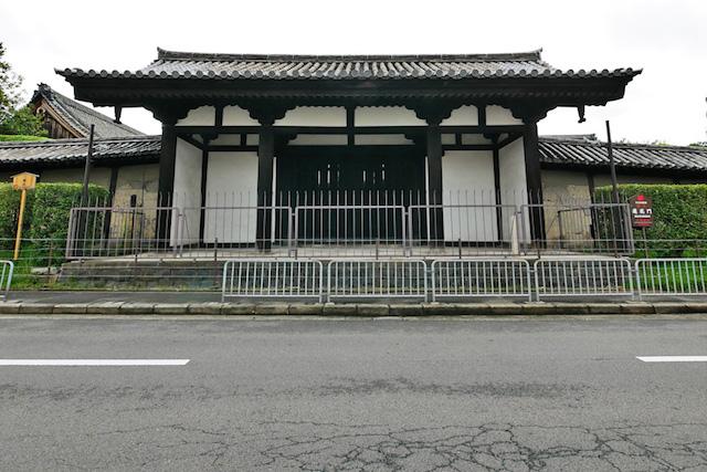 教王護国寺蓮花門